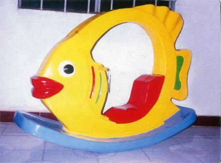 Bập bênh cá vàng